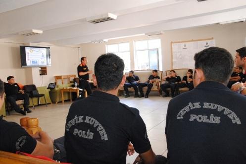 Belediyeden polislere eğitim