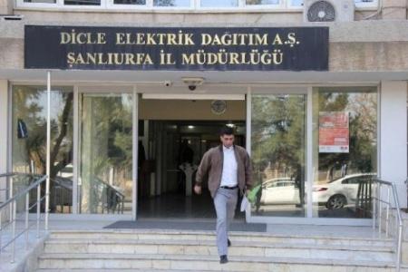 Borçlu belediyelerin elektriği kesiliyor