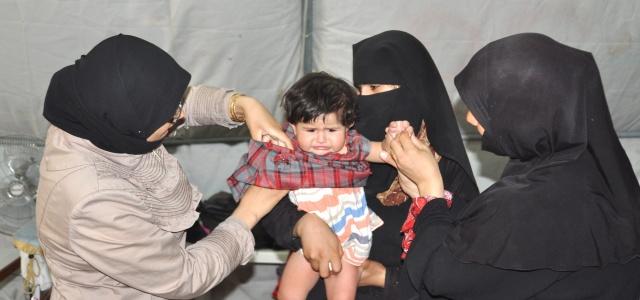 Çadır kentteki yetimlere kıyafet yardımı yapıldı