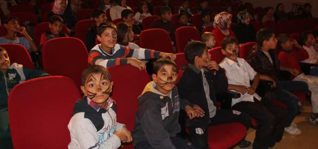 Çocuklar için tiyatro oyunu