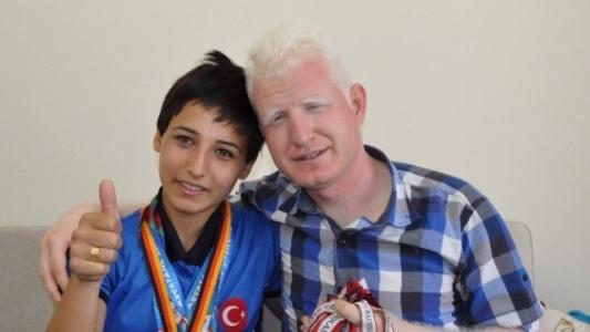 Görme Engelli Sporcu 3 Altın Madalya Kazandı