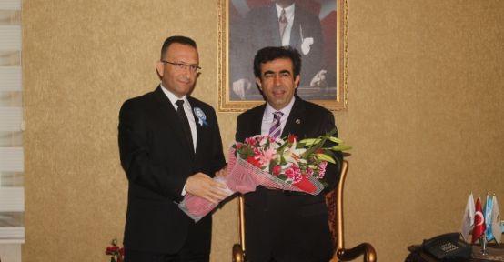 Gülpak'dan Vali Güzeloğlu'na Ziyaret