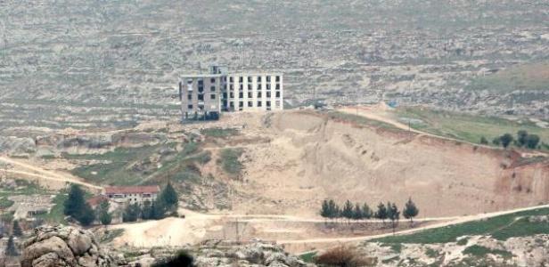 Halfeti'de otel inşaatına tepki