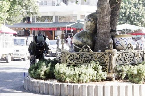 Haşimiye Meydanı'nda bomba paniği!