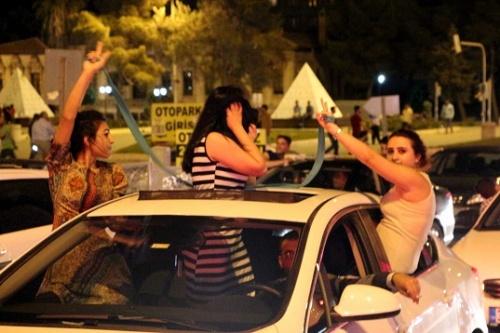 HDP'de kutlamalar başladı