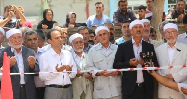 HDP'li Baydemir Molla'larla geldi...