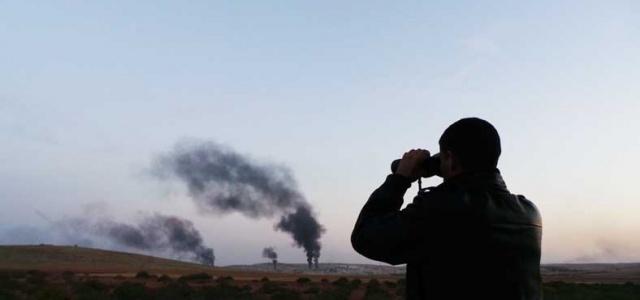 IŞİD Kobani'yi yakıyor