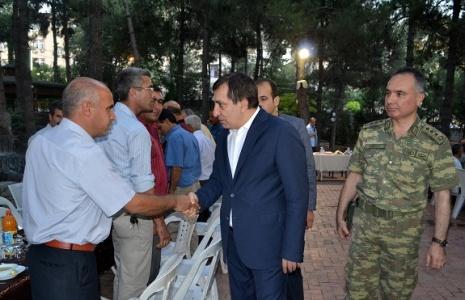 Jandarma, köy korucularına iftar verdi