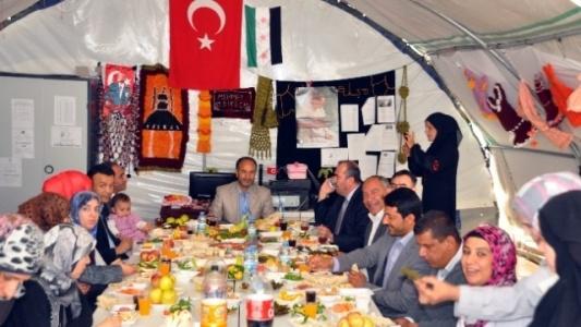 Kadın meclisi çadır kentte