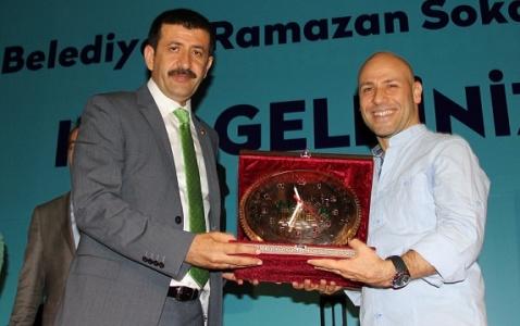 Kahraman Tazeoğlu rüzgarı esti...