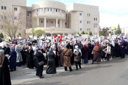 'Kendimi ihbar ediyorum' protestosu