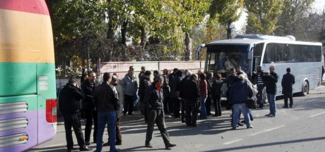 Kobani sınırına 4 otobüs gitti