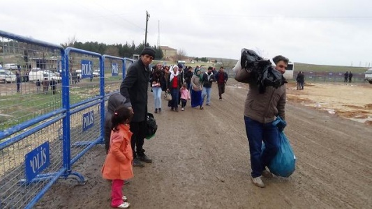 Kobani'ye dönüşler hızlandı