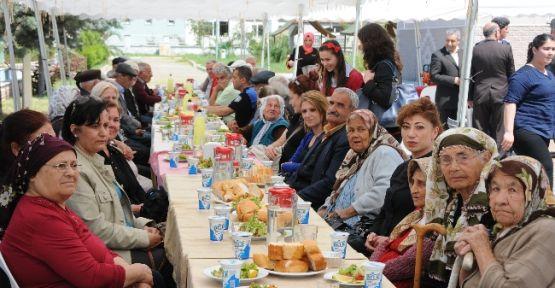 Kursiyer Aşçılardan, Huzurevi Sakinlerine Yemek