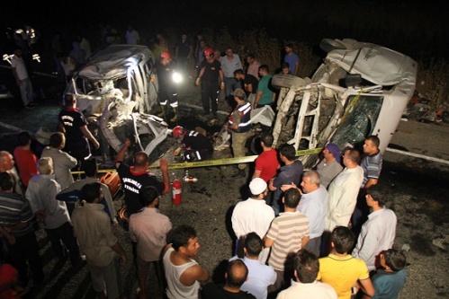 Sahurda feci kaza 4 kişi öldü...