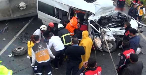 Şanlıurfa'da zincirleme kaza: 14 ölü