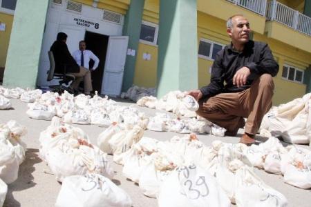 Seçim torbaları dağıtılıyor
