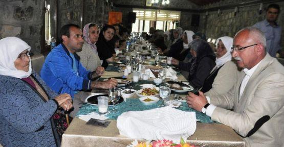 Seydişehir'de Şehit Annelerine Anlamlı Yemek