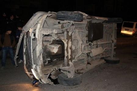 Siverek'te minibüs devrildi
