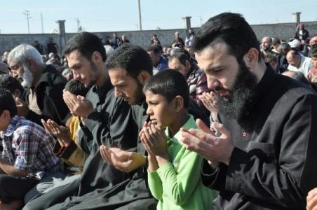 Suriyeliler yağmur duası etti