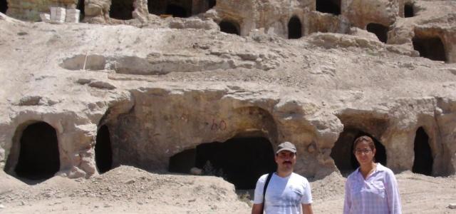 Tarihe ışık tutacak kaya mezarlar bulundu