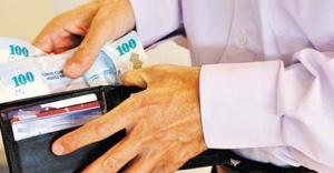 Emekliler bu ay kaç lira maaş alacak?