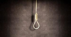 Tavana bağladığı iple intihar etti