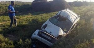Ticari araç otomobille çarpıştı