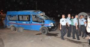 Urfa'da askeri araç devrildi!