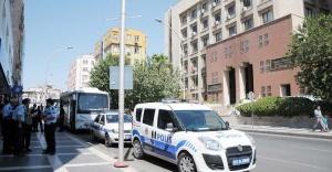 Urfa'da eğitim ve sağlık merkezlerine operasyon