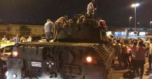 Tanklar geri çekilmeye başladı