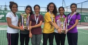 Urfa, teniste de şampiyonluklara imza atıyor