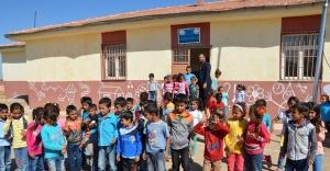 140 öğrencili okulda tek öğretmen..