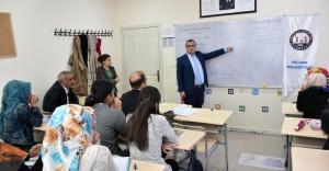 Hilvan Kaymakamı'ndan Üniversite Adaylarına Çalışma Yöntemi