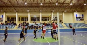 Hilvan'da, 24 Kasım Okullar Arası Voleybol Turnuvası Başladı