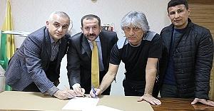 Urfaspor, eski hocasını tekrar renklerine bağladı