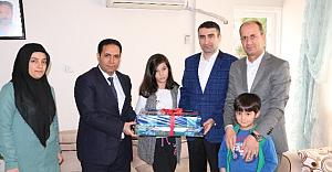 Şehit çocuklarına bilgisayar hediye edildi