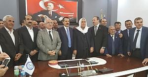 Bakan Çelik, Zahireciler Borsasını ziyaret etti