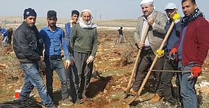Eyyüpoğlu çiftçileri yalnız bırakmadı