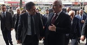 Şahin, Vali Tuna'yı ziyaret etti.