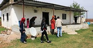 Akçakale Belediyesi engelli ailesinin evini yeniledi