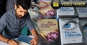 Yazar Bozkurt, kitaplarını imzaladı