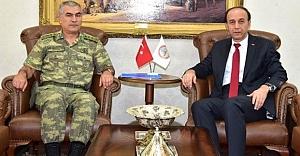 Albay Öztürk göreve başladı