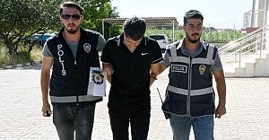 Hilvan'da, Sahte Kimlik ve Uyuşturucuyla Yakalanan Şüpheli Tutuklandı