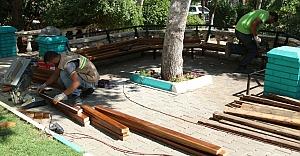 Parklarda yenileme çalışmaları sürüyor