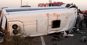 Tarım işçileri kaza yaptı: 2 ölü 18 yaralı