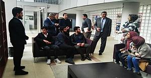Rektör Taşaltın, öğrencilerle sohbet etti
