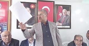AK Parti#39;li Başkandan partisine...