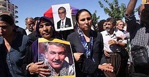 HDP#039;li Ayhan Ermeni bayrağıyla...