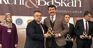 Yılın Belediye Başkanı ödülü Ekinci'ye verildi